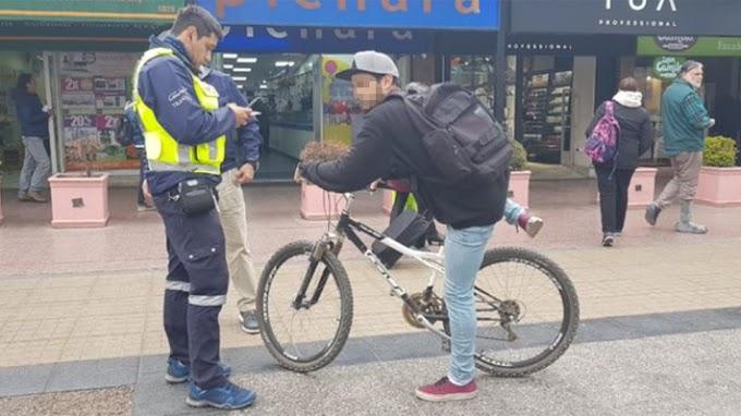 Las Condes ha cursado 861 multas a ciclos que circulan por veredas a tres meses de la vigencia de la medida