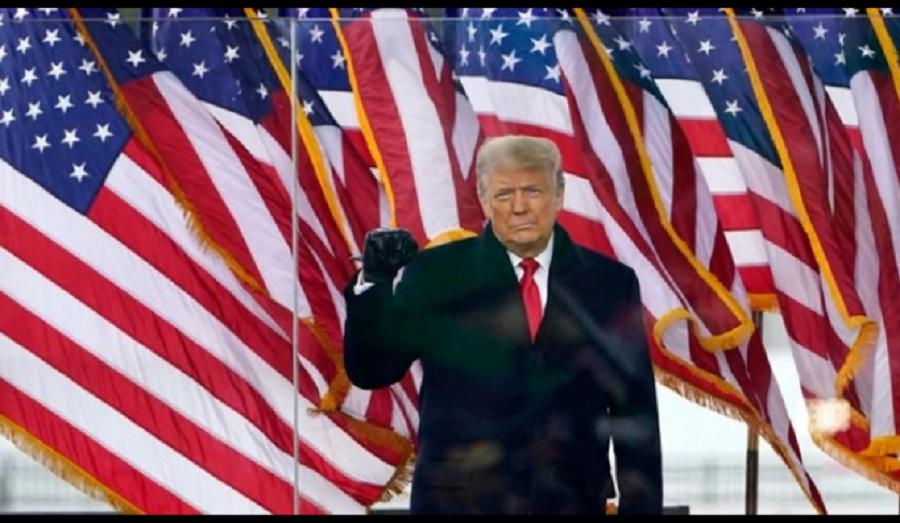 El presidente Donald Trump a su llegada para hablar en un mitin en Washington, 6 de enero de 2021 / VOA