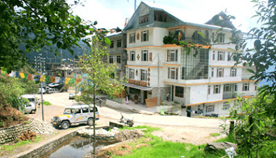 Hotel Ricasa Gangtok is placed on a beautiful location making easy to travel around the city.