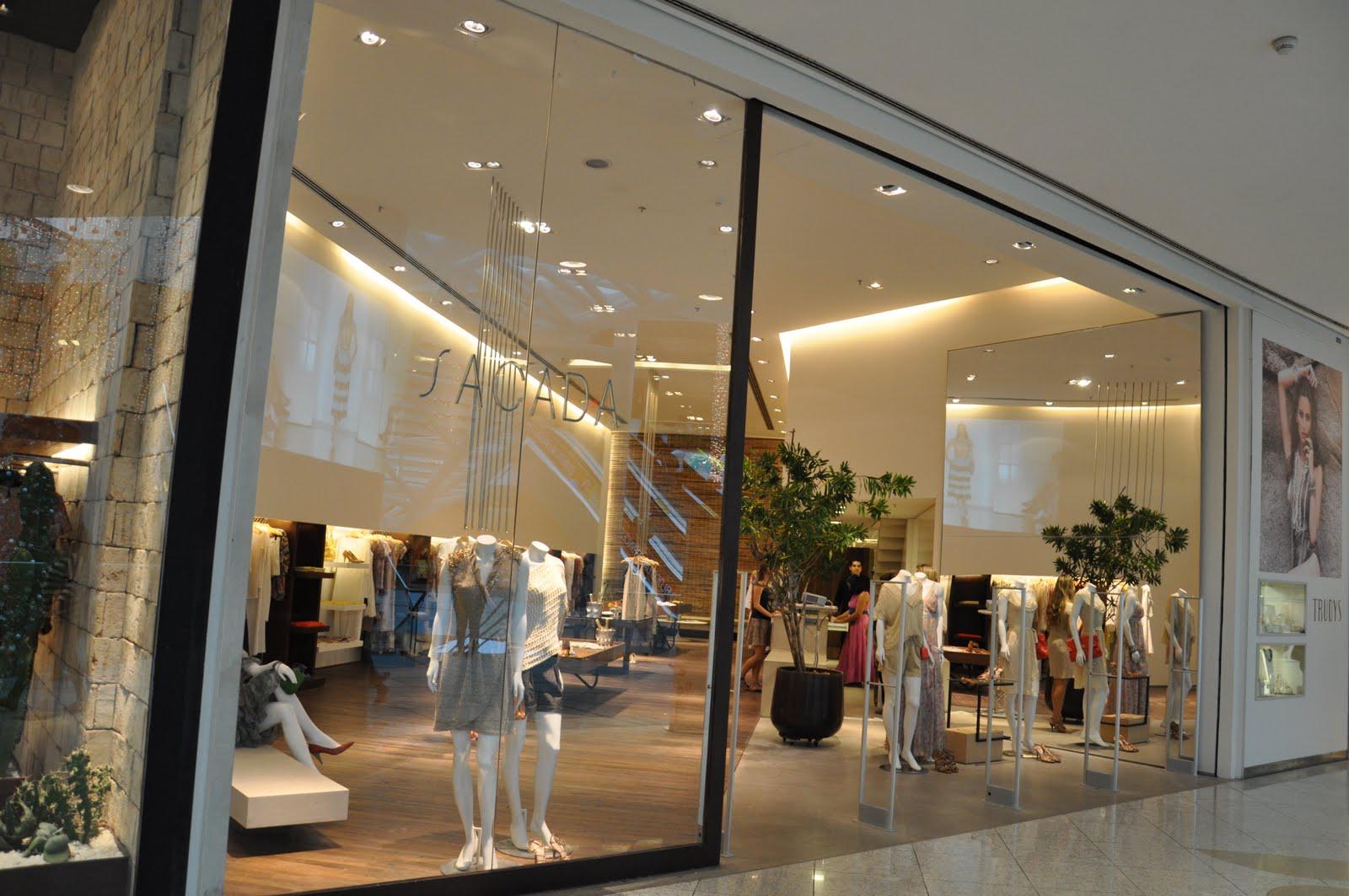 No último dia 10 de Novembro(quinta-feira), a loja Sacada do Salvador  Shopping, comandada por Lílian Pércia, recebeu clientes vips para o  lançamento da nova ... 50e64881f4