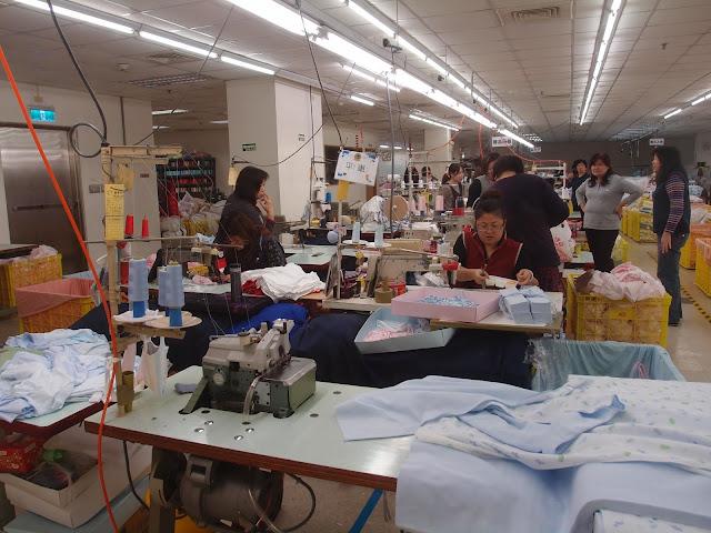 制衣工厂的生产线