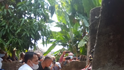 Mayat Tanpa Identitas Ditemukan Membusuk Dalam Sumur di Sukajaya Kalianda