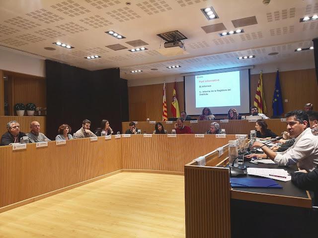 Plenari 9barris que rebutja 1ª iniciativa ciutadana BCN amb vots NO del PSC i SÍ de ERC