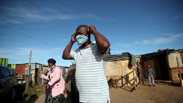 عامل-في-غانا-ينقل-عدوى-كورونا-إلى-533-من-زملائه