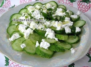 греческий салат из огурца с фетой и мятой