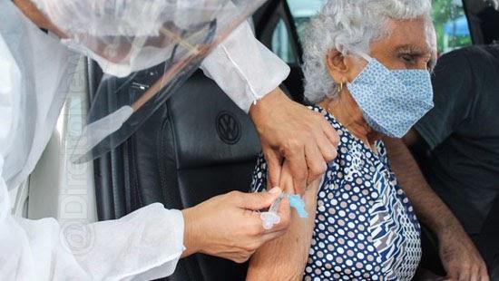 4 anos prisao furar fila vacina