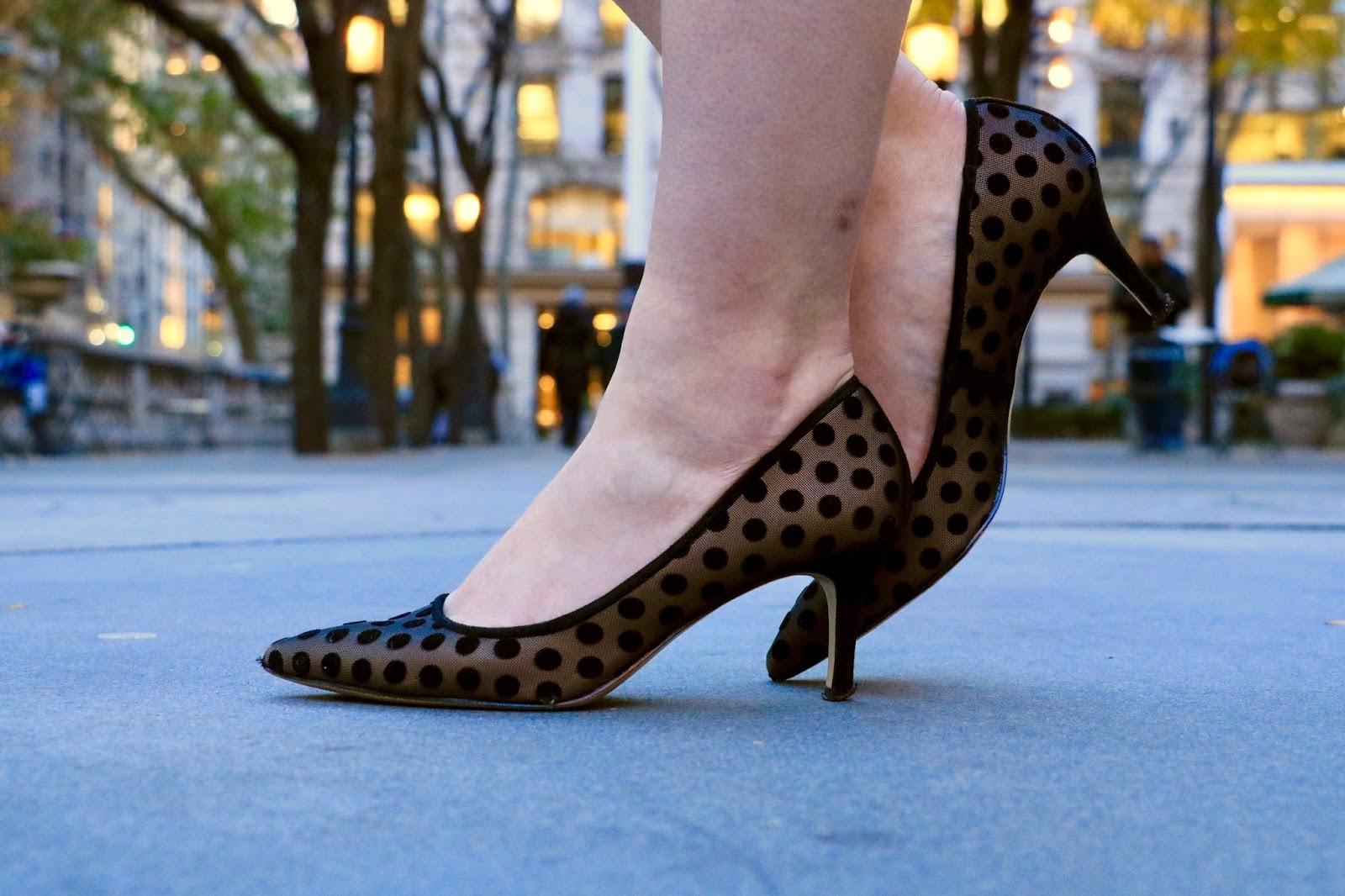 black polka dot pumps pics