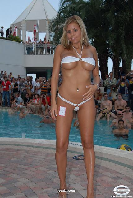 Erica Gudis  nackt
