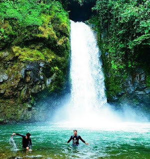 Air Terjun Sungai Lansiangan sumber foto (ondehmandeh.com)