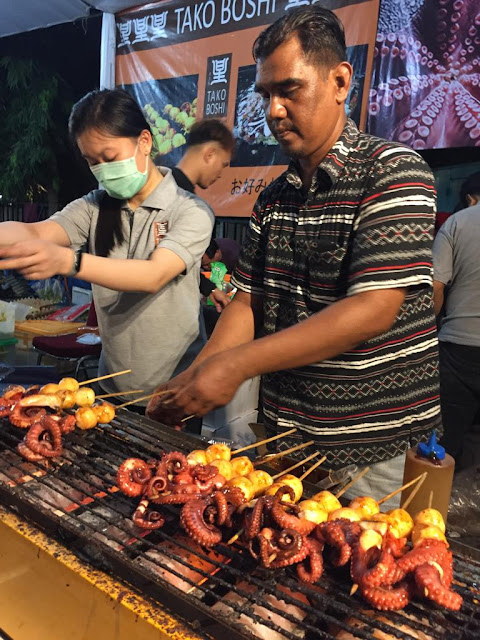 Penjual Gurita Bakar