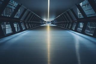Passage bien illuminé