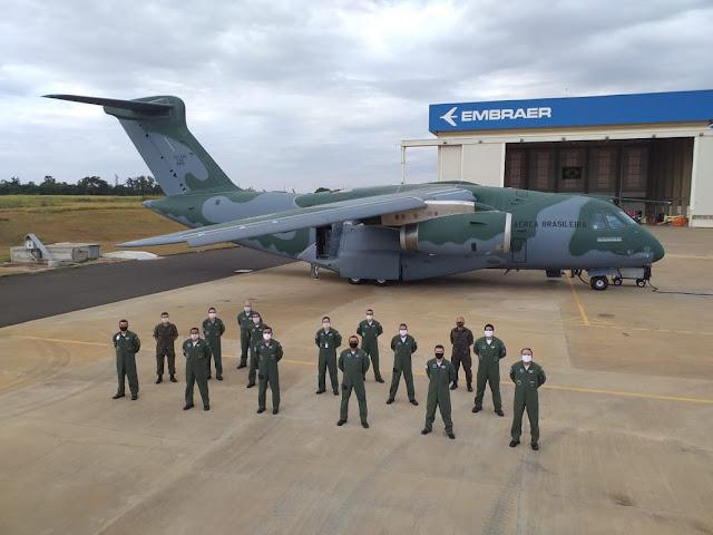 Embraer (EMBR3) entrega o terceiro C-390 Millennium à Força Aérea Brasileira (FAB 2855) | É MAIS QUE VOAR