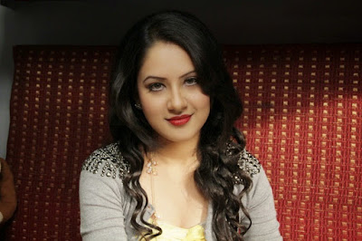 Aap Se Mausiiquii Album Actress Puja Banerjee Actress Images & Wallpapers