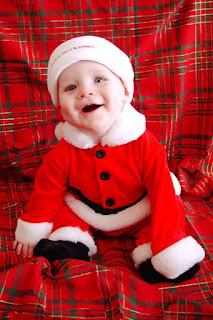 Bayi-lucu-pakaian-natal