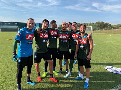 'Phớt lờ' Covid-19, Napoli gọi cầu thủ trở lại tập luyện