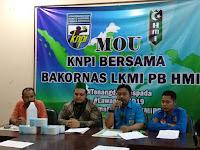 DPP KNPI - Bakornas LKMI PB HMI Bantu Pemerintah dan Masyarakat Hadapi Covid19