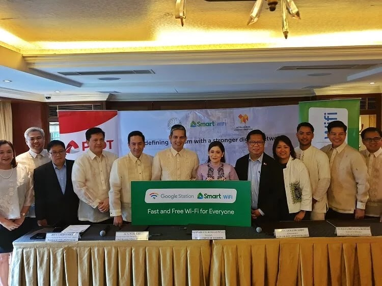 Smart to Roll Out Free WiFi in Intramuros and Luneta