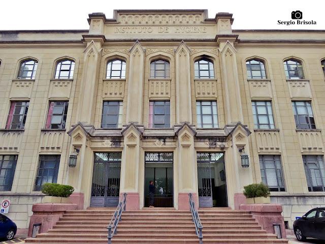 Vista da fachada da Faculdade de Saúde Pública USP - Pinheiros/Cerqueira César - São Paulo