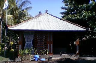 Risha dengan arsitektur Bali