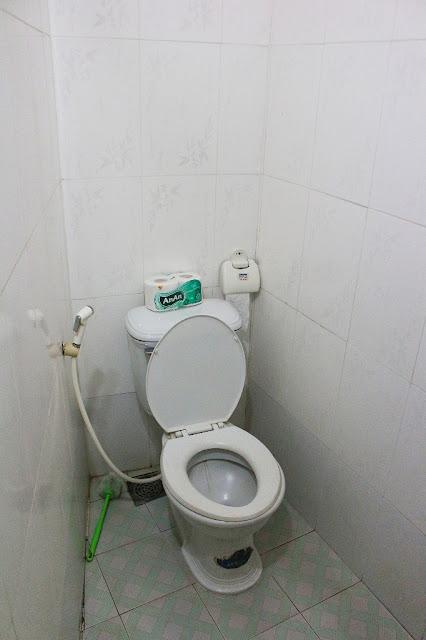 toilet minh khoi