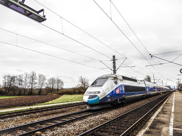 Kereta Cepat Jakarta-Bandung Akan Beroperasi Tahun 2021