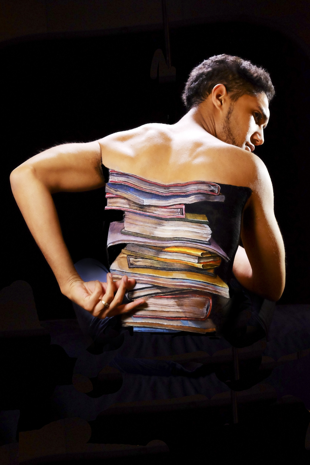 14-My-Body-My-Rights-Hikaru-Cho-チョーヒカル-Body-Painting-Her-way-Through-University-www-designstack-co
