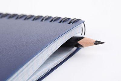 ¡Coged el cuaderno!