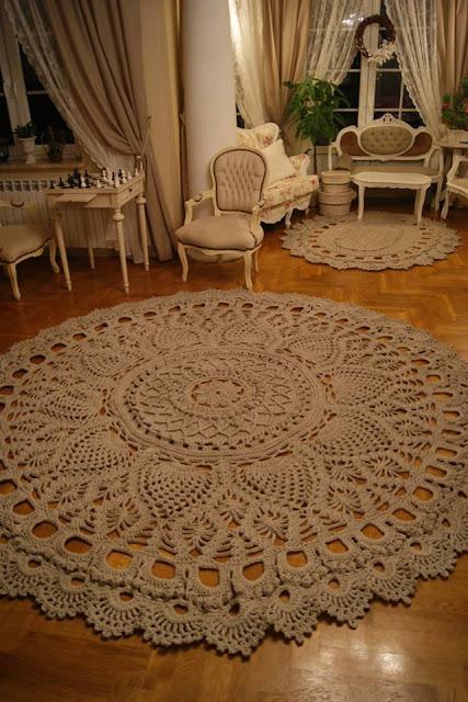 dywany koronkowe ze wzorem
