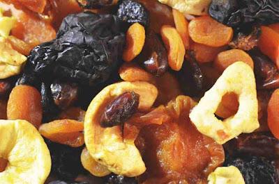 هل الفواكه المجففة تزيد الوزن؟