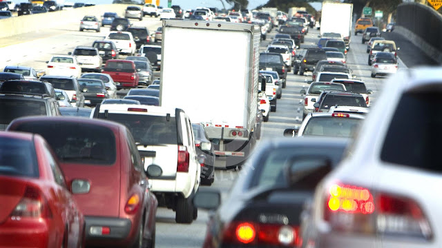 How to avoid pollution when you're in traffic jams