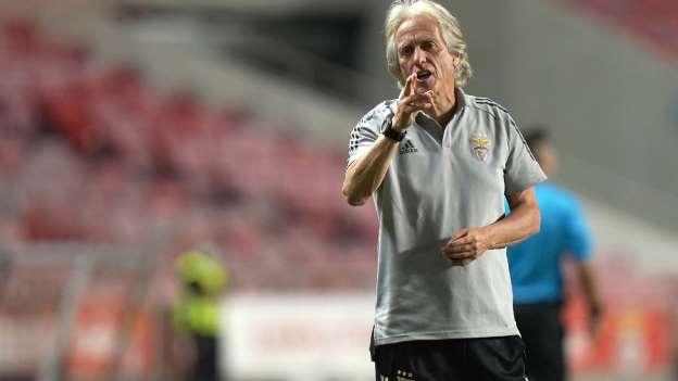 Jesus estaria por um fio no Benfica, Flamenguistas pedem a volta