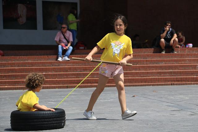 Actividades infantiles en Herriko Plaza durante las fiestas de Barakaldo
