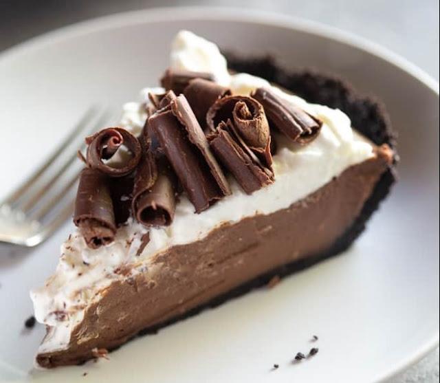 No Bake Triple Layer Chocolate Cream Pie #nobake #desserts