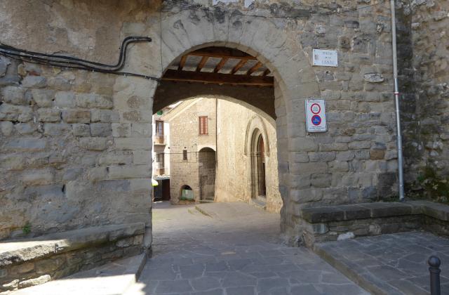 Portal de Sant Llorenç de Morunys