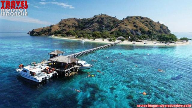While Kanawa Island is around Flores Island