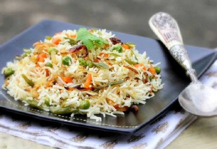 Simple, aromatic and healthy vegetable pilau recipe