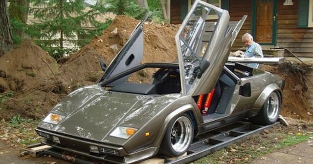 Έφτιαξε τη Lamborghini των ονείρων του μετά από 17 χρόνια προσπάθειας και το εσωτερικό της εντυπωσιάζει