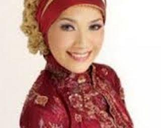 model jilbab wisuda untuk muka bulat model jilbab wisuda mewah