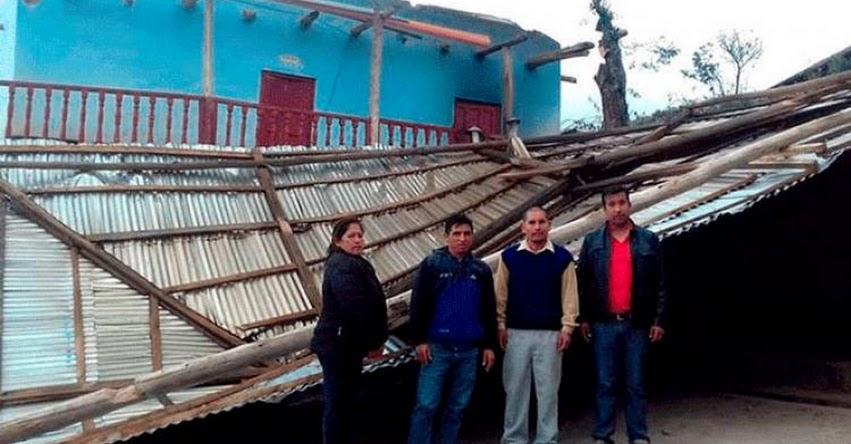 Niños salvan de morir por caída de techo de su colegio tras torrencial lluvia en La Libertad