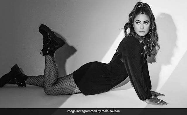 Hina Khan Looking Adorable in Black Mini Dress