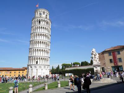 foto de El país que nunca se acaba: Pisa la piazza del Duomo de