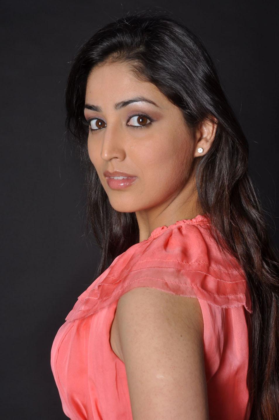 yamini gautam and tarun new movie stills