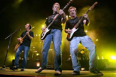 Foto de Hombres G en el escenario