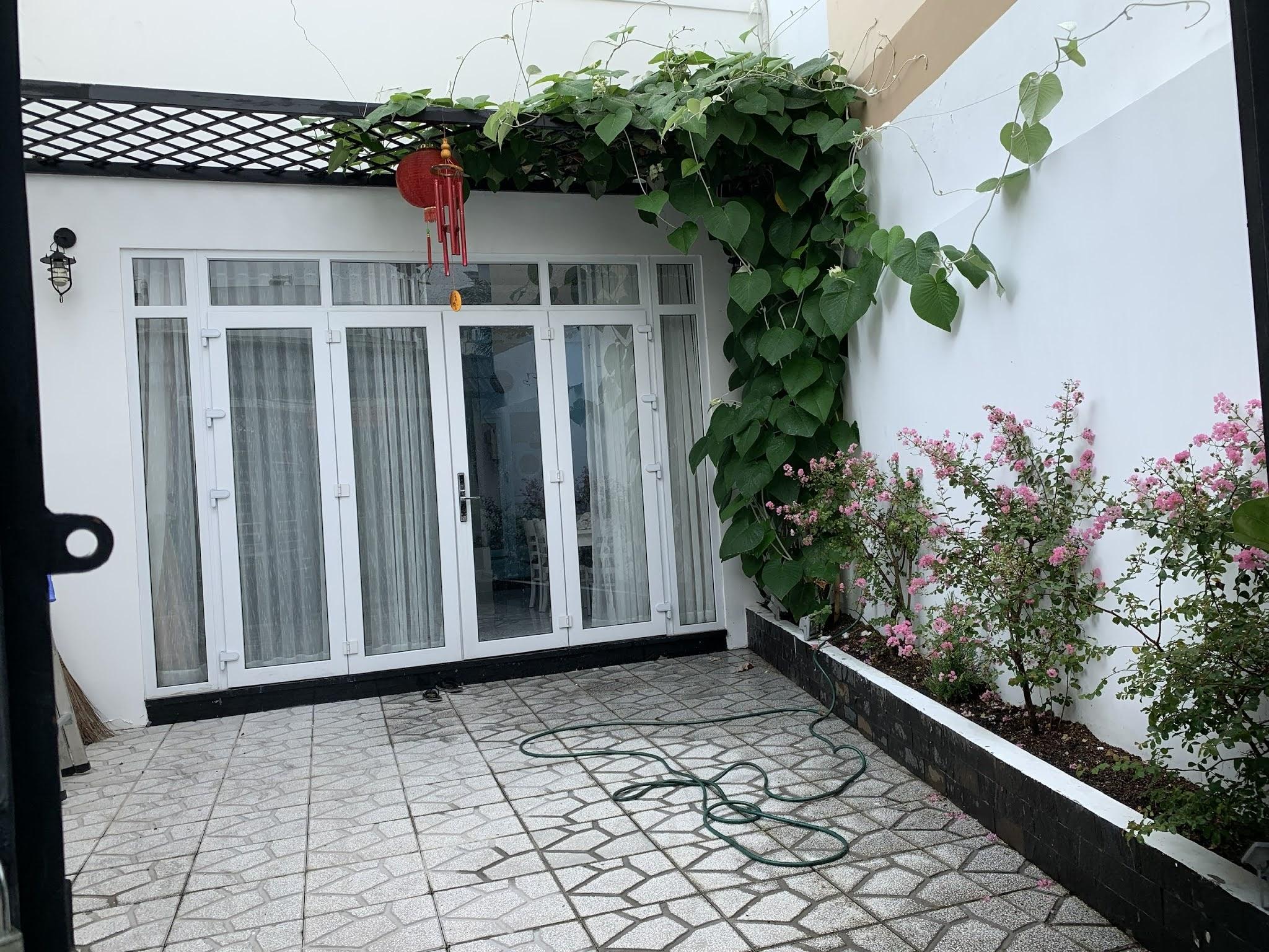 Bán nhà hẻm 251 Lê Quang Định phường 7 quận Bình Thạnh, xe hơi vào nhà