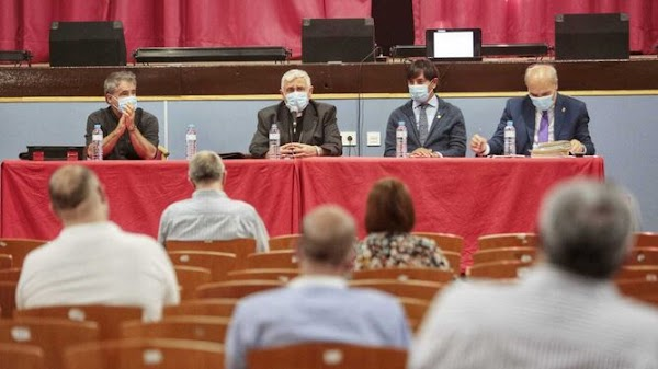 Los cofrades de Cádiz tendrán que superar un curso de formación de dos años para formar parte de juntas de gobierno