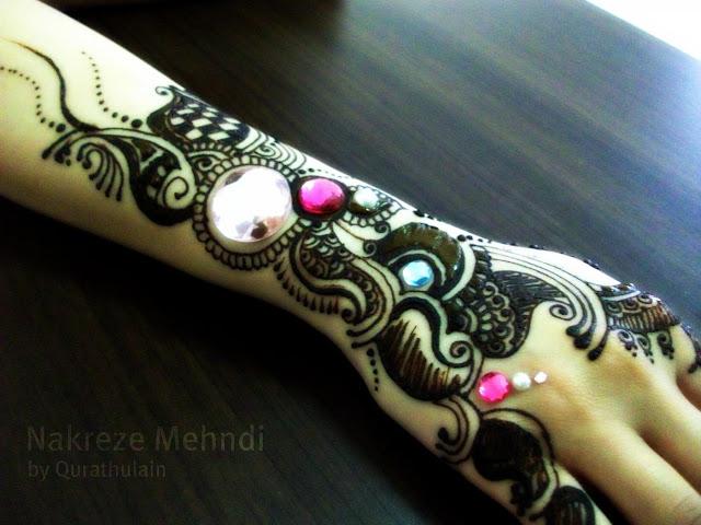 Shining Glittered Mehndi Designs For Hands 2016