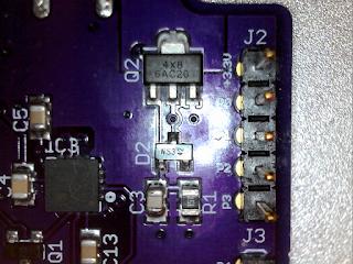 O circuito 'crowbar' em pormenor. O SCR está em Q2.