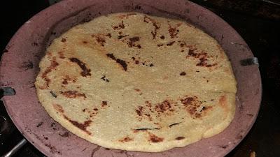 http://www.indian-recipes-4you.com/2017/04/makki-ki-roti-recipes-in-hindi-by-aju-p.html