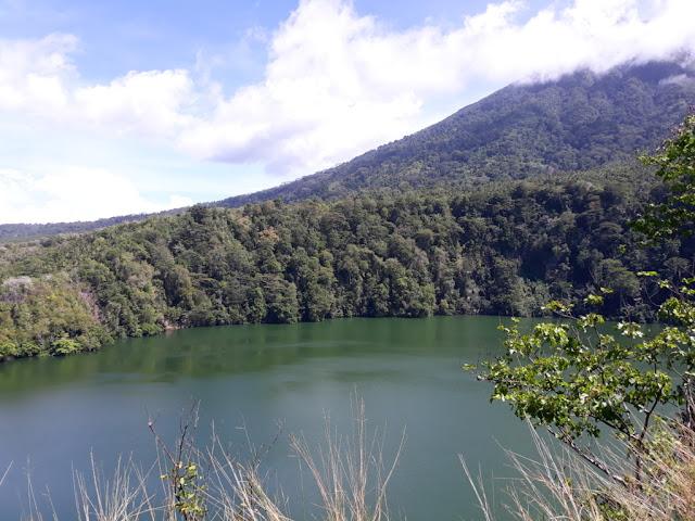Danau Tolire Besar di Ternate