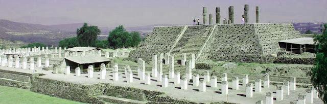 Hay que considerar que Tollan fue edificada de distinta forma que Teotihuacan, ya no era la gran ciudad sobre una vasta llanura sin defensa alguna, la ciudad se levantaba sobre una colina, la cual era mucho más fácil de defender.
